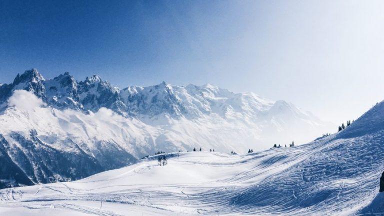 La neige chère: son impact environnemental et économique