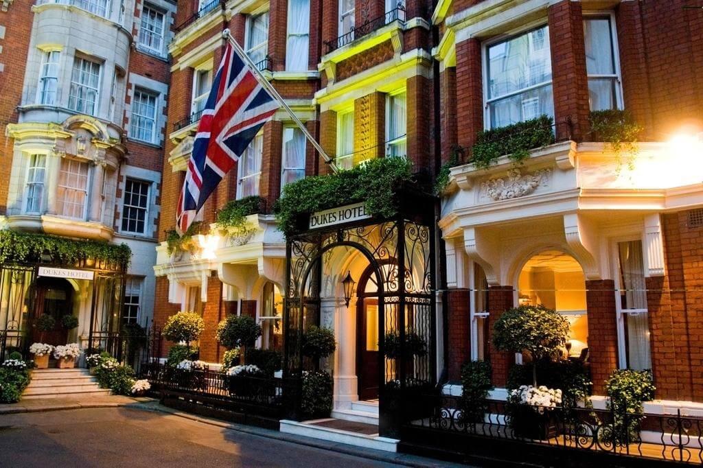 Les hôtels britanniques démarrent brutalement pour début 2020