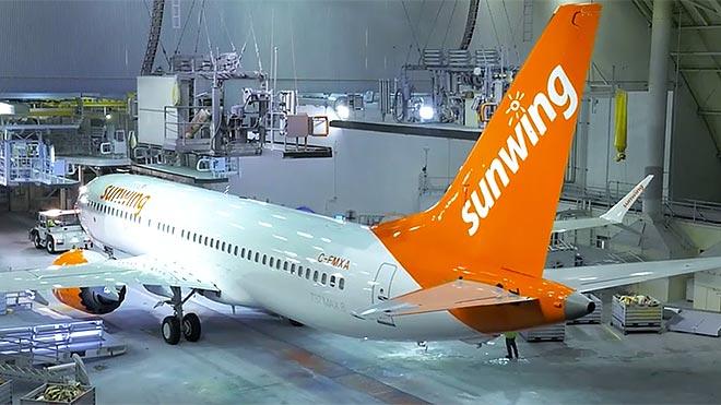 La Sunwing Airlines du Canada arrête ses opérations et licencie 470 pilotes