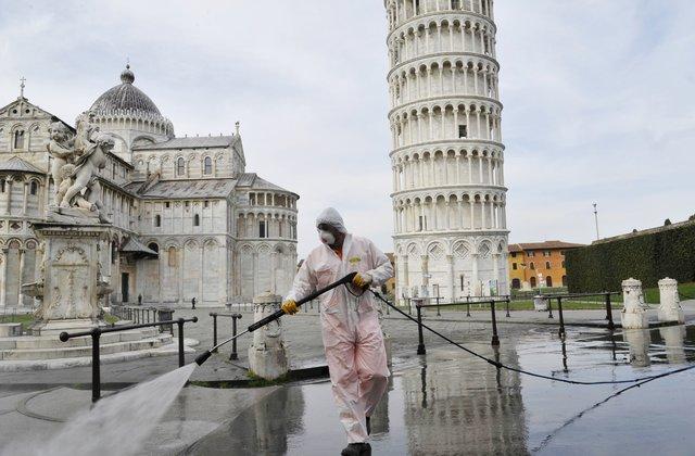 L'Italie ordonne de nouvelles restrictions pour arrêter la pandémie de COVID-19