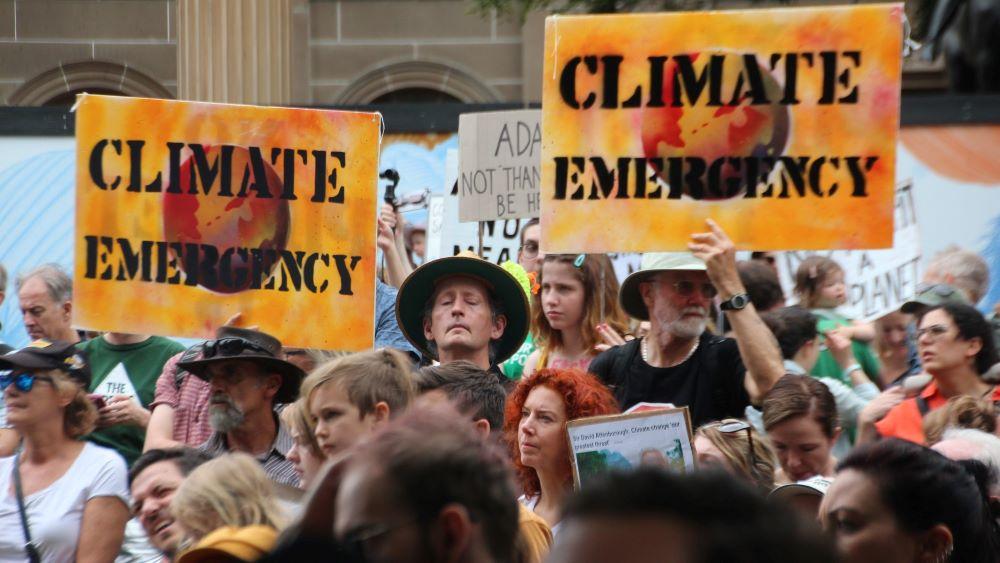 Les signataires du tourisme déclarent l'urgence climatique sur le «changement de système», «l'action réglementaire»
