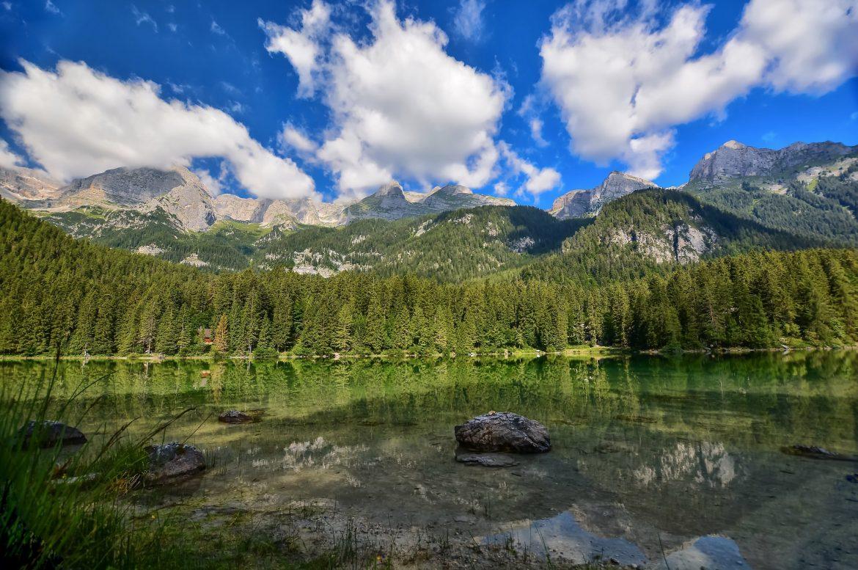 Lac Tovel, perle du parc naturel d'Adamello Brenta