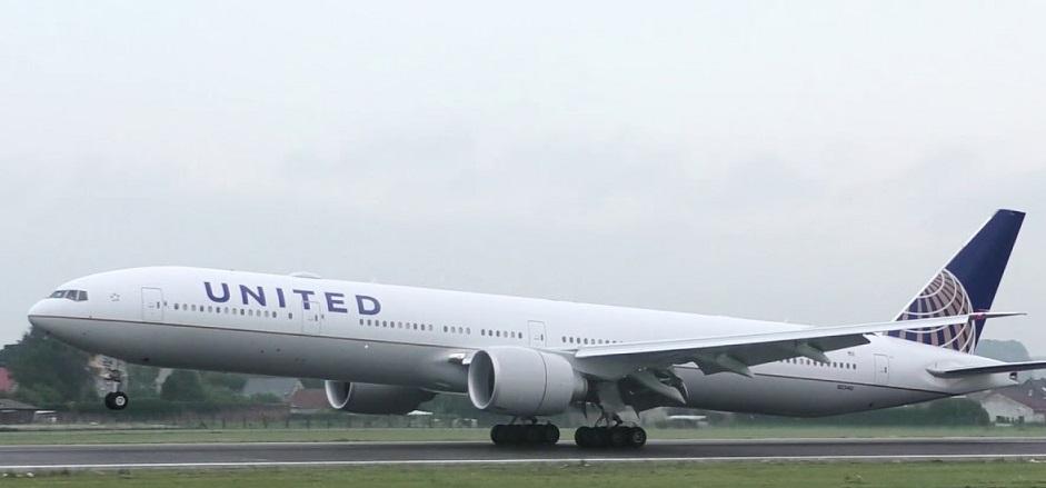 United Airlines coupe plus de vols en raison de COVID-19