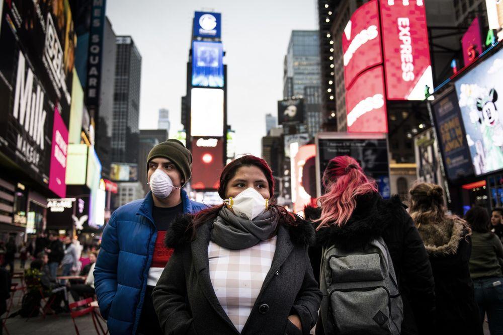 Les New-Yorkais doivent porter des masques en public «là où la distanciation sociale n'est pas possible»