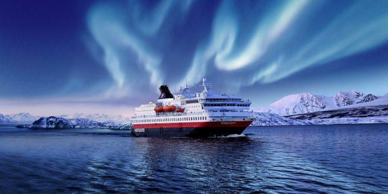 La compagnie de croisières d'expédition Hurtigruten prolonge la suspension de ses opérations
