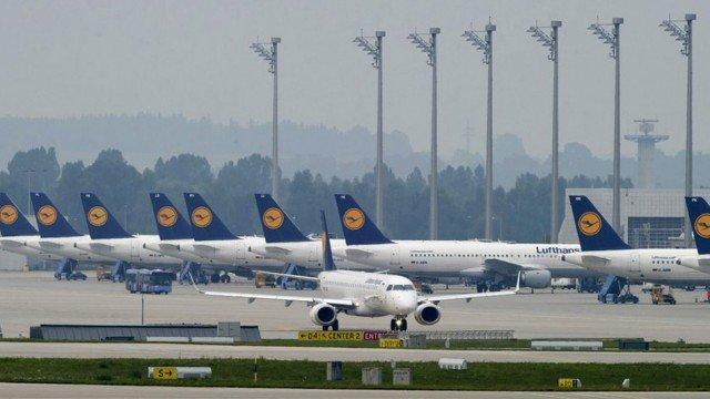 Il faudra des années pour que la demande de voyages en avion revienne aux niveaux d'avant la crise