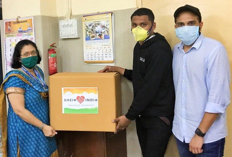 Une entreprise en ligne fait don d'un million de masques chirurgicaux à des hôpitaux indiens