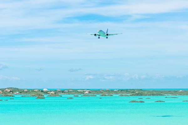 Les départs des îles Turques et Caïques doivent être signalés en raison de COVID-19