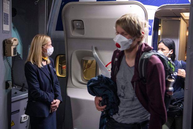 Delta Air Lines exige désormais que tous les dépliants portent des couvre-visages tout au long du voyage