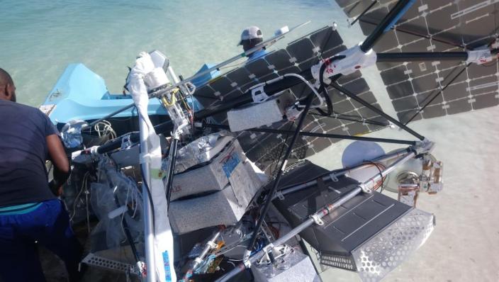 Plages des Seychelles sous l'attaque d'une fusée russe