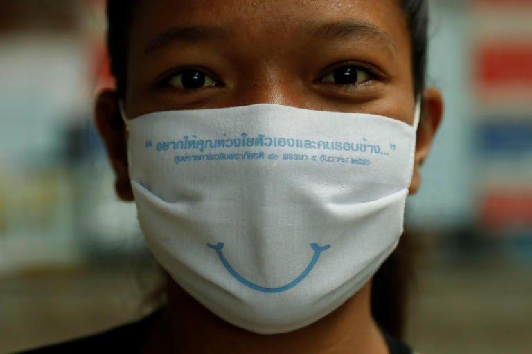 La Thaïlande accueillera les visiteurs avec un sourire étonnant derrière un masque en juillet