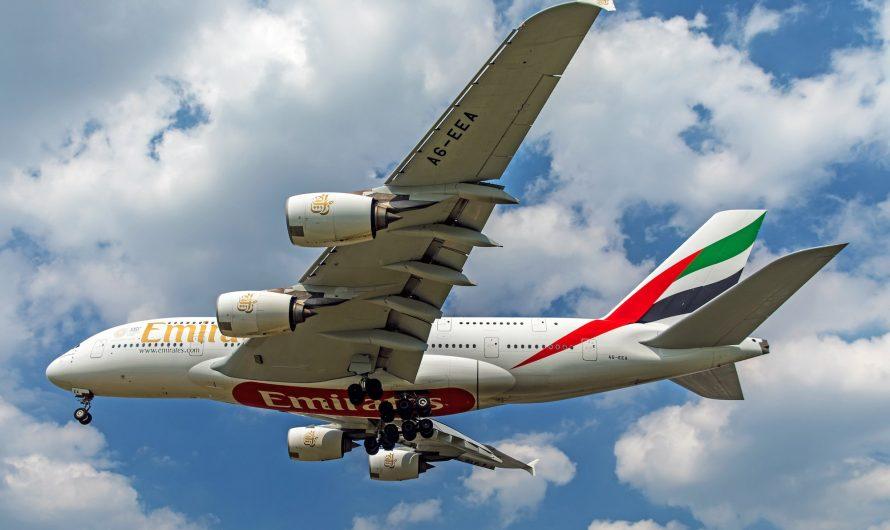 Emirates s'apprête à piloter un super jumbo d'Airbus A380 à Londres Heathrow et Paris