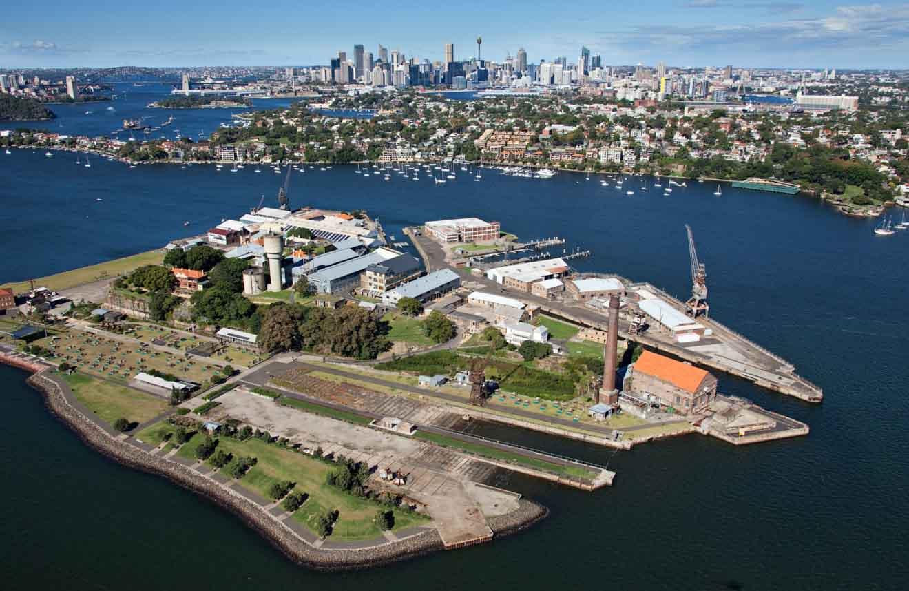 Vue aérienne de l'île Cockatoo lors de la visite du port de Sydney