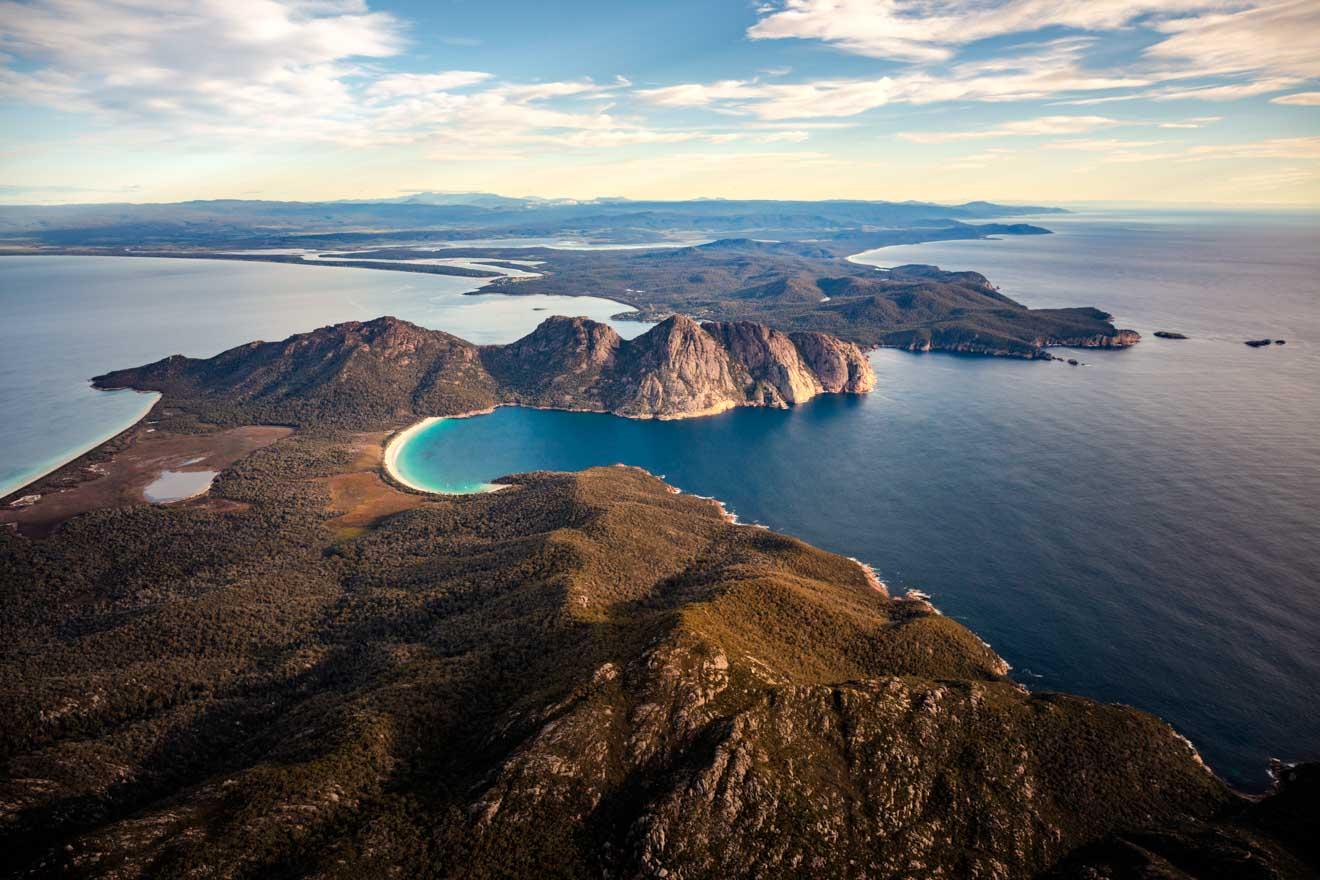 Voyage aérien en Tasmanie à Wineglass Bay