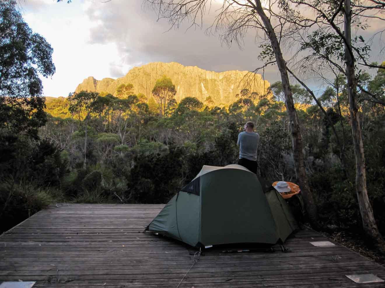 Montagne de la cathédrale au coucher du soleil, visite du camping Overland Track
