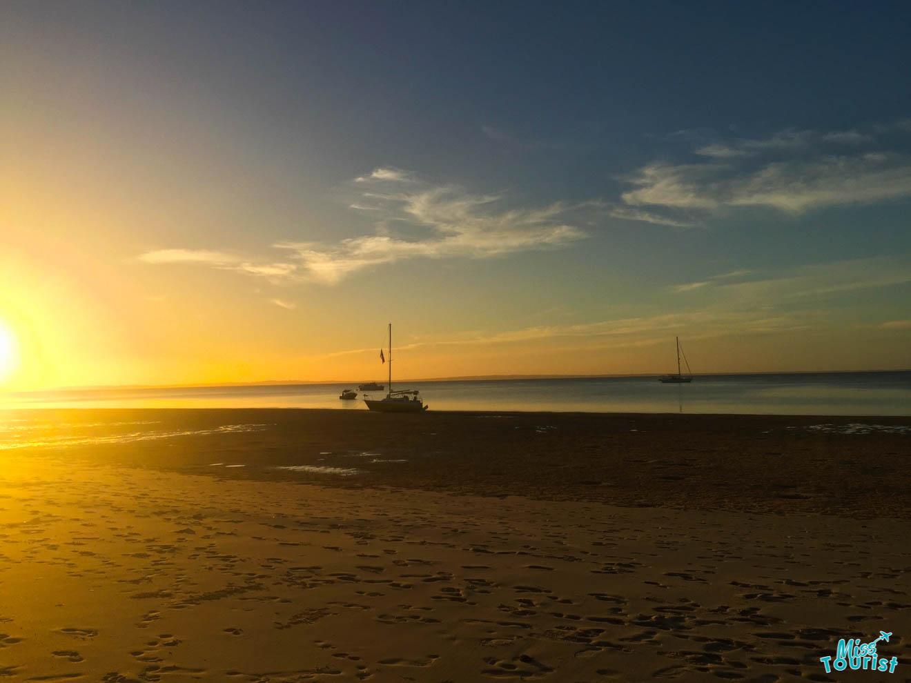 beau lever de soleil sur l'île de fraser