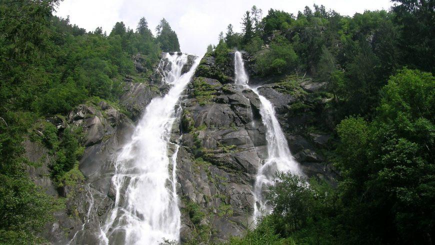 Les chutes de Nardis, dans le géoparc d'Adamello Brenta