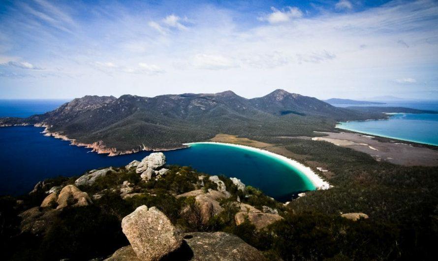 GUIDE COMPLET sur le parc national de Freycinet en Tasmanie (Meilleures promenades + infos pratiques)