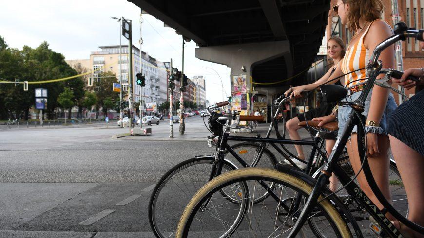 étudiants à vélo
