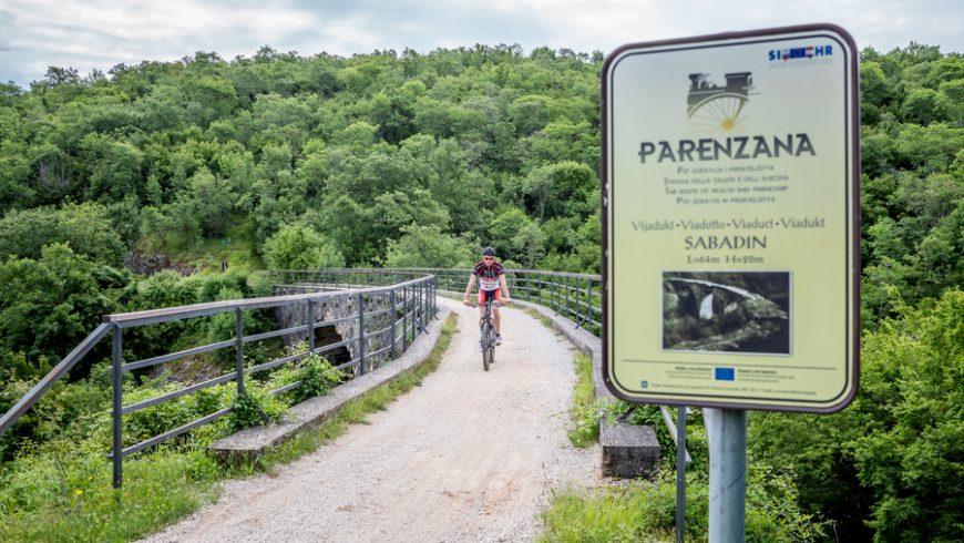 expériences écologiques en Istrie: faire du vélo à Parenzana