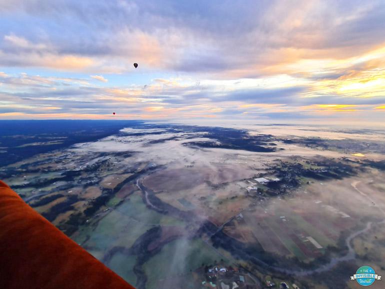 Montgolfière au lever du soleil sur Sydney Australie