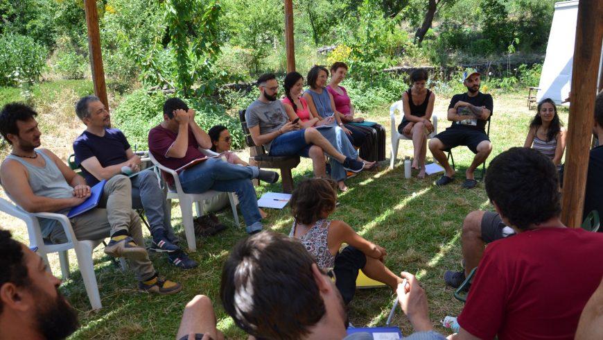 Cours de permaculture à la maison de ballots de paille Felcerossa