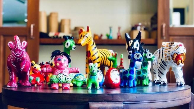 Une sélection de jolis jouets Honey Bee. Image fournie par l'auteur.