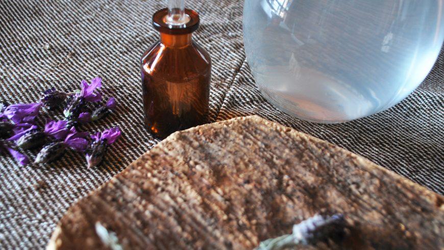 Huile essentielle de lavande à Essenza Sardegna