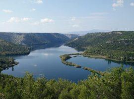 Vue de la rivière Krka dans le parc national de Krka
