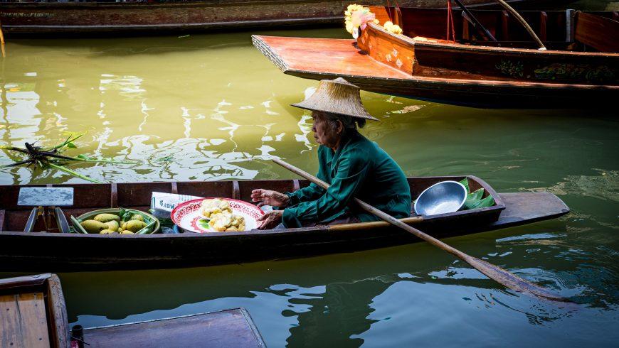 marché flottant en thaïlande