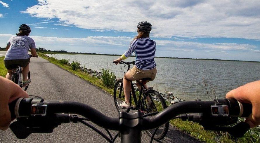 Vacances lentes à Viareggio: 5 pistes cyclables à ne pas manquer!