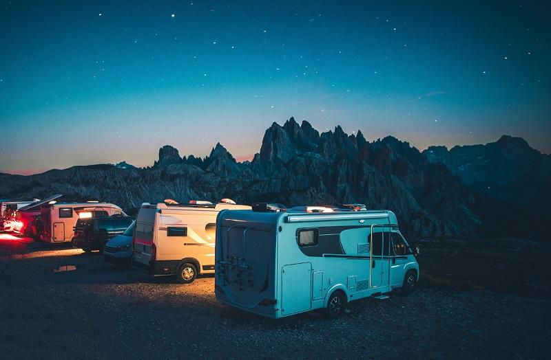 Camping RV en montagne dans les Dolomites italiennes