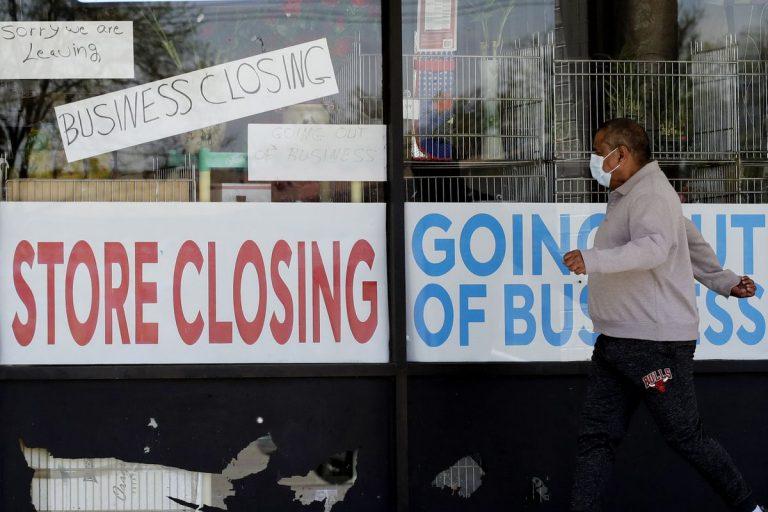 Les États-Unis pourraient perdre 9,2 millions d'emplois en 2020 en raison du COVID-19 et des restrictions de voyage