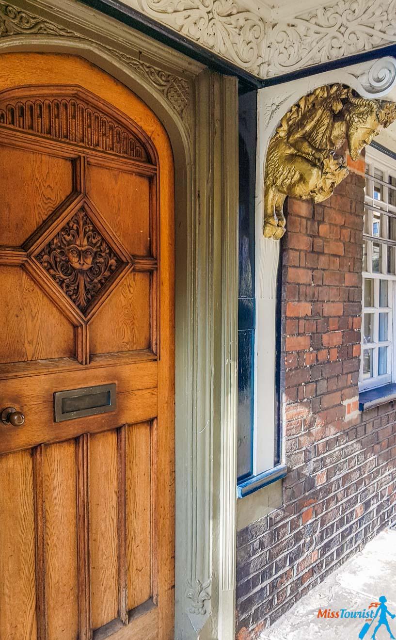 11 Choses à faire à Oxford narnia door