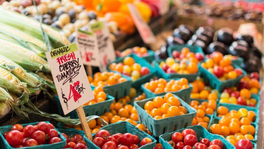 Légumes biologiques à Pike Place Market, Seattle, États-Unis