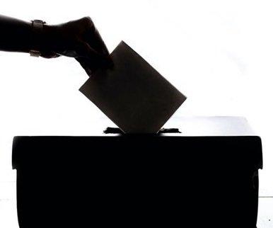 Pourquoi ne votons-nous pas encore en ligne?