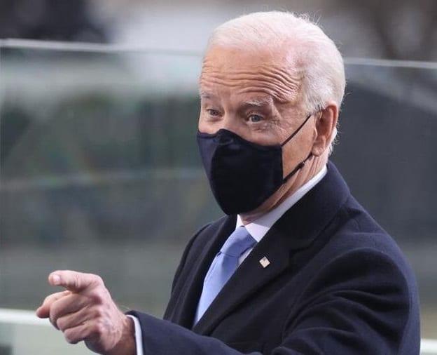 Quels masques tuent les Américains?  Coton, tissu, chirurgie, KN95, N95, FFP-2?