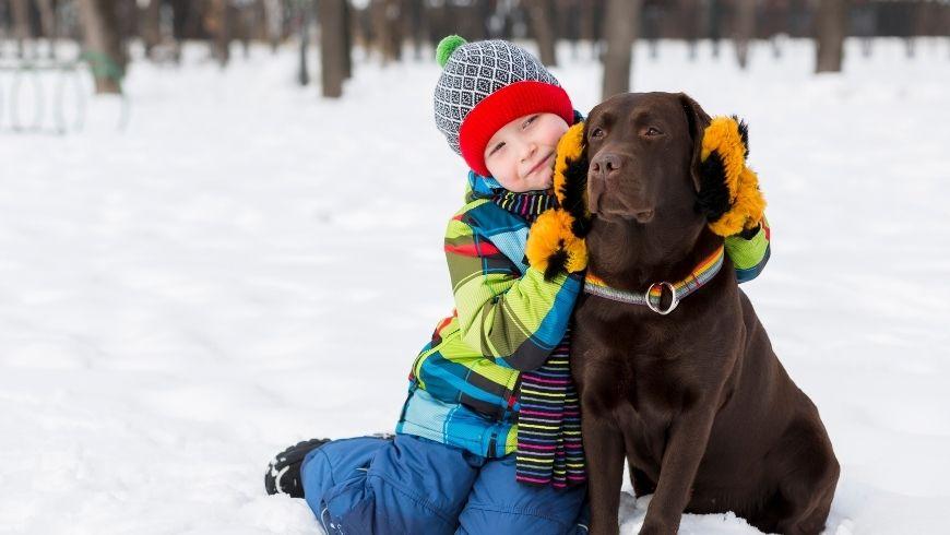 Avantages pour les enfants qui grandissent avec des chiens
