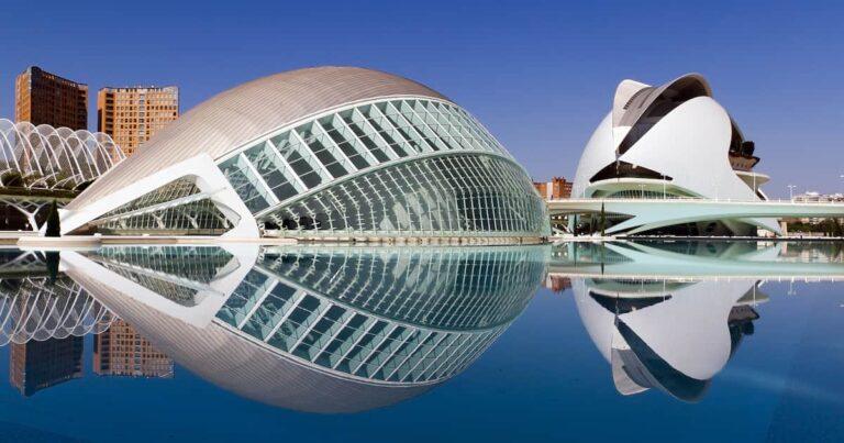 5 meilleurs quartiers où séjourner à Valence, en Espagne (+ Airbnbs et hôtels!)