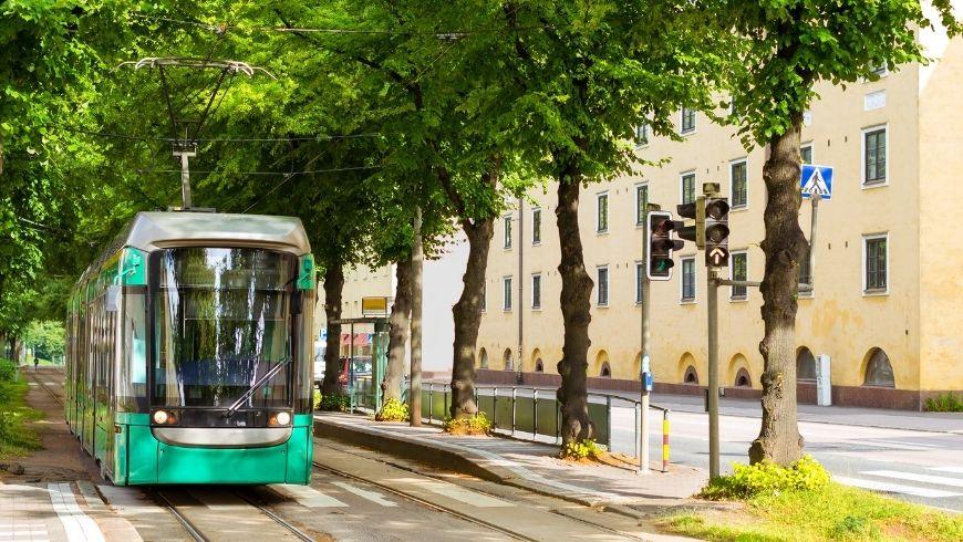 Tramway vert moderne à Helsinki, Finlande