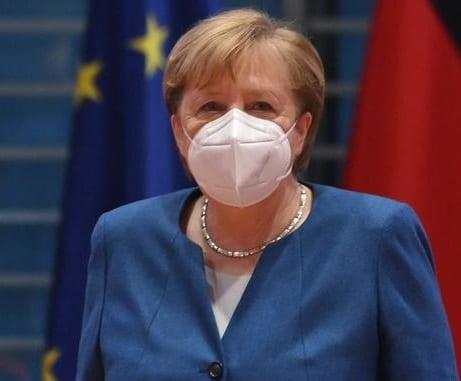 Une décision de vie ou de mort sur COVID-19 est pour les Américains de suivre les règles allemandes