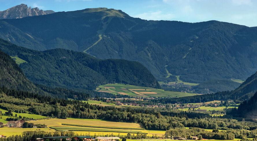Vacances vertes entre les deux plus beaux parcs naturels des Dolomites