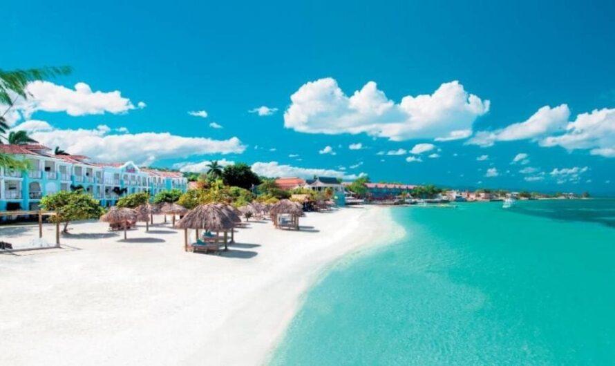 Sandals offre des vacances gratuites à 300 travailleurs de la santé des Caraïbes