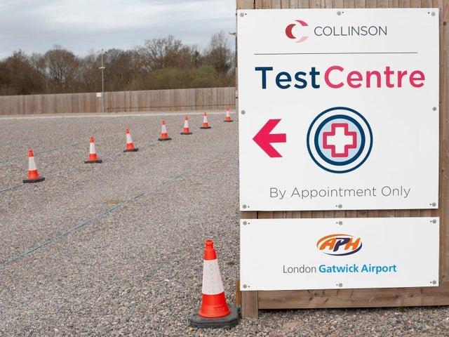 Ouverture d'un nouveau centre d'essais COVID-19 au parking de l'aéroport de Gatwick