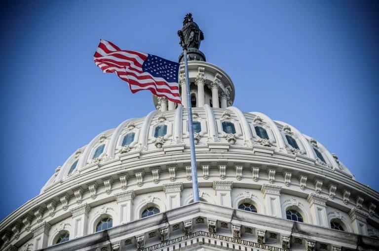 L'industrie hôtelière et le syndicat unissent leurs forces pour exhorter le Congrès à l'aide