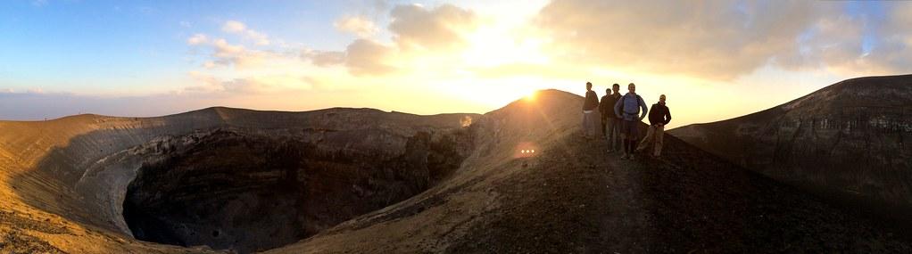 Ol Doinyo Lengai vue du lever du soleil