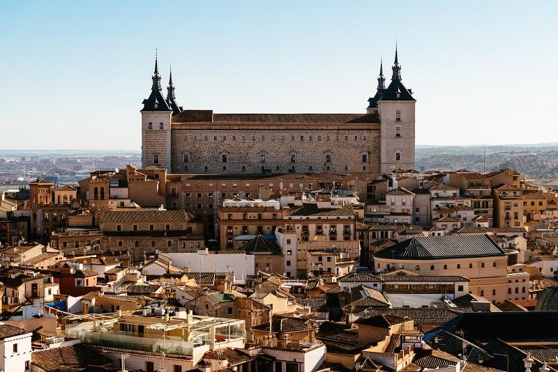 Paysage urbain du centre historique de Tolède, Espagne, et palais El Alcazar
