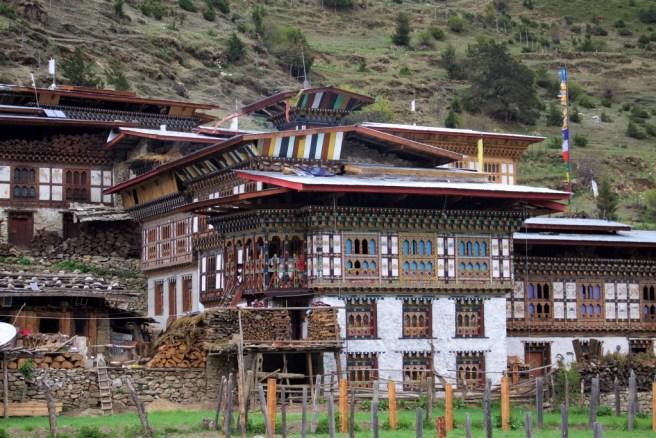Maisons traditionnelles à Laya, Bhoutan.  Image (c) Dorji Dhradhul.