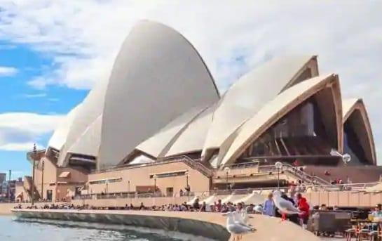La compétition aéronautique australienne se prépare: tout le monde peut-il survivre?