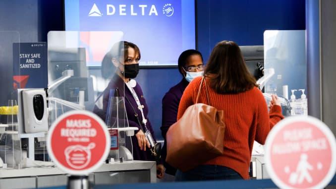 Les embauches augmentent chez Delta Air Lines en mettant l'accent sur les réserves saisonnières prêtes